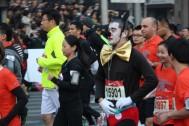 A runner provides entertainment.
